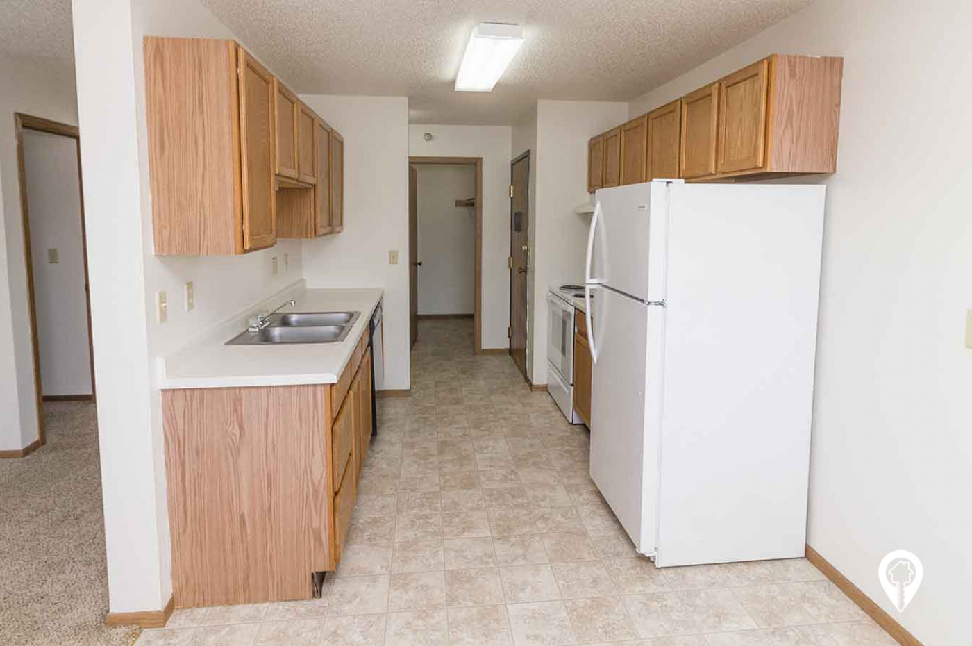 Hillview Apartments & Townhomes