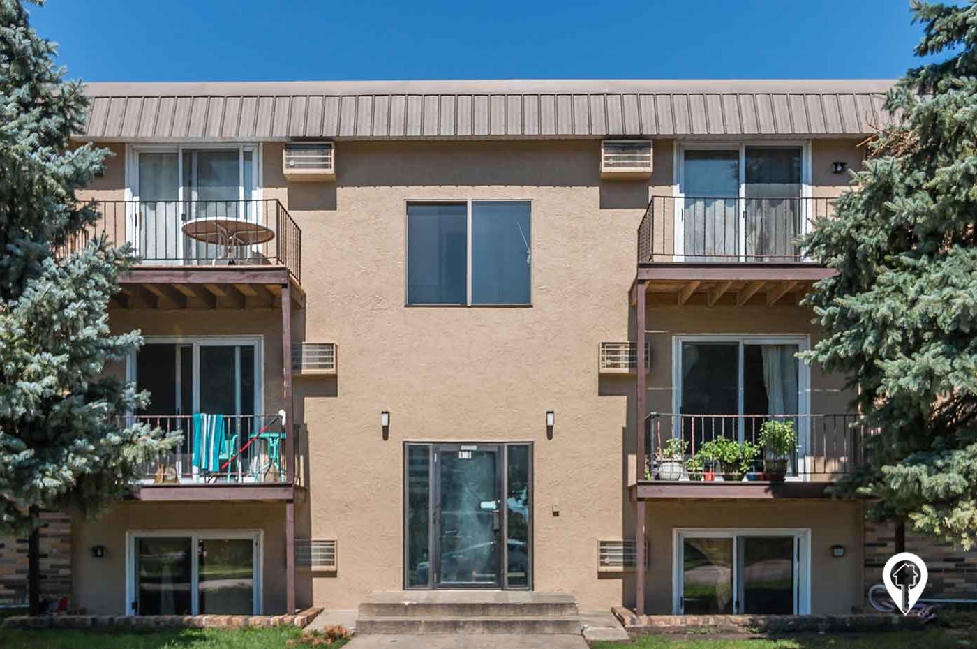 Arnolds Park Apartments
