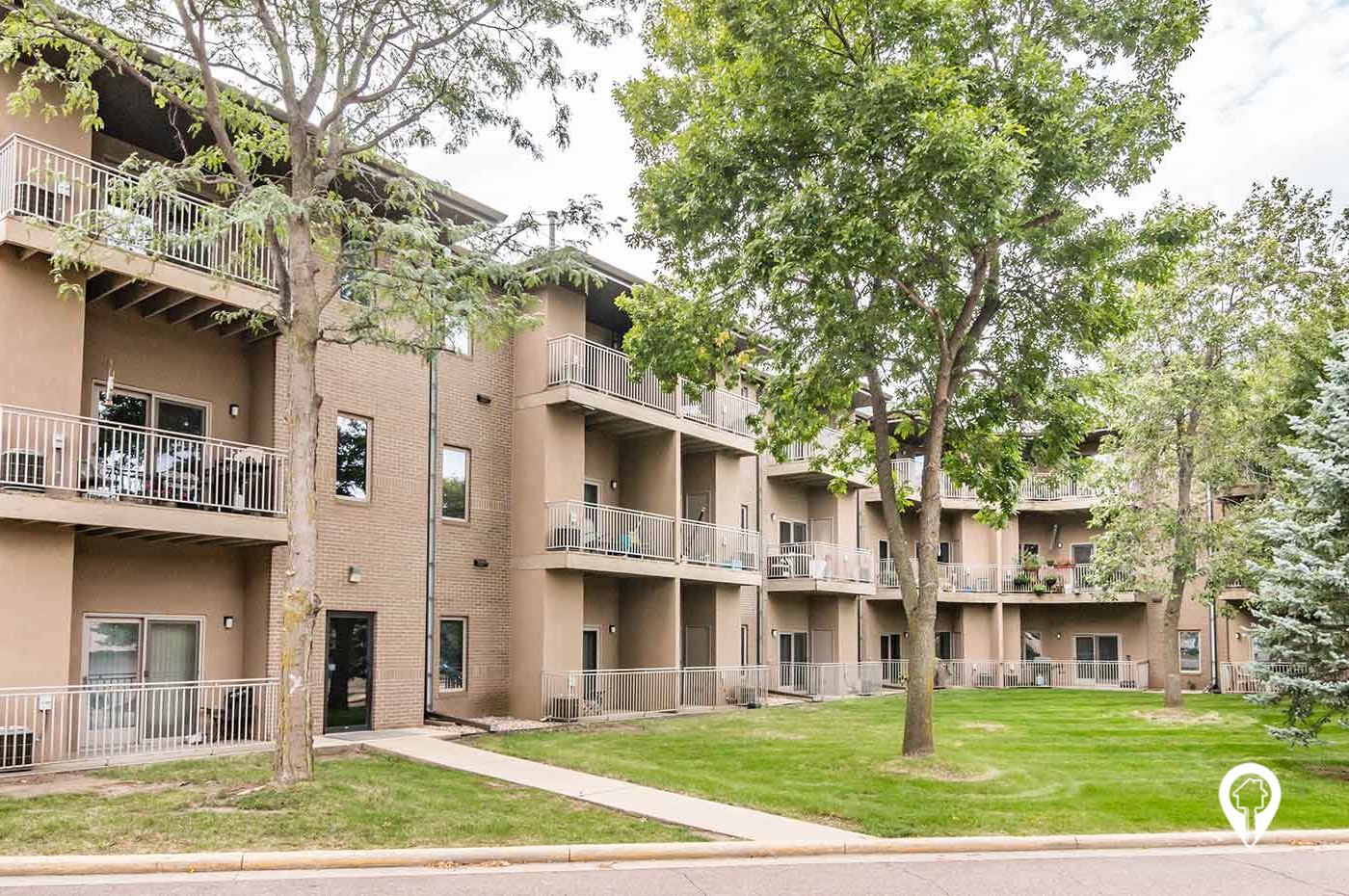 Ronning Companies - Pines At Four Hills Apartments