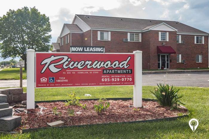 Riverwood Apartments In Vermillion Sd Myrentersguide Com