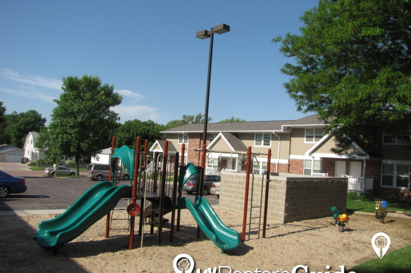 Grandview Apartments & Townhomes