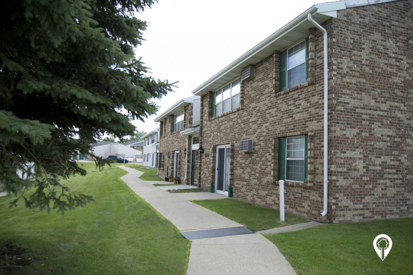 Crestview-Apartments