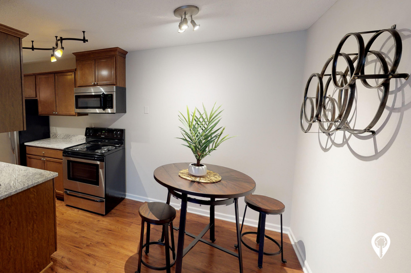 Colonial-Villa-Apartments-Bright-Open-Kitchens-Dining-Rooms