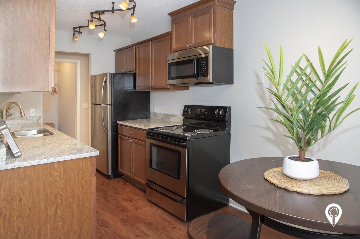 Colonial-Villa-Apartments-Welcome-Home-Colonial-Villa-Apartments