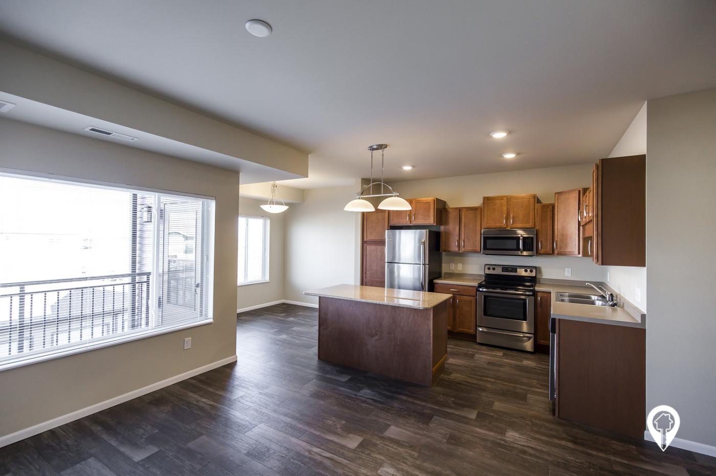 River-Ridge-Apartment-Homes-Stainless-Steel-Appliances-Granite-Kitchen-Island