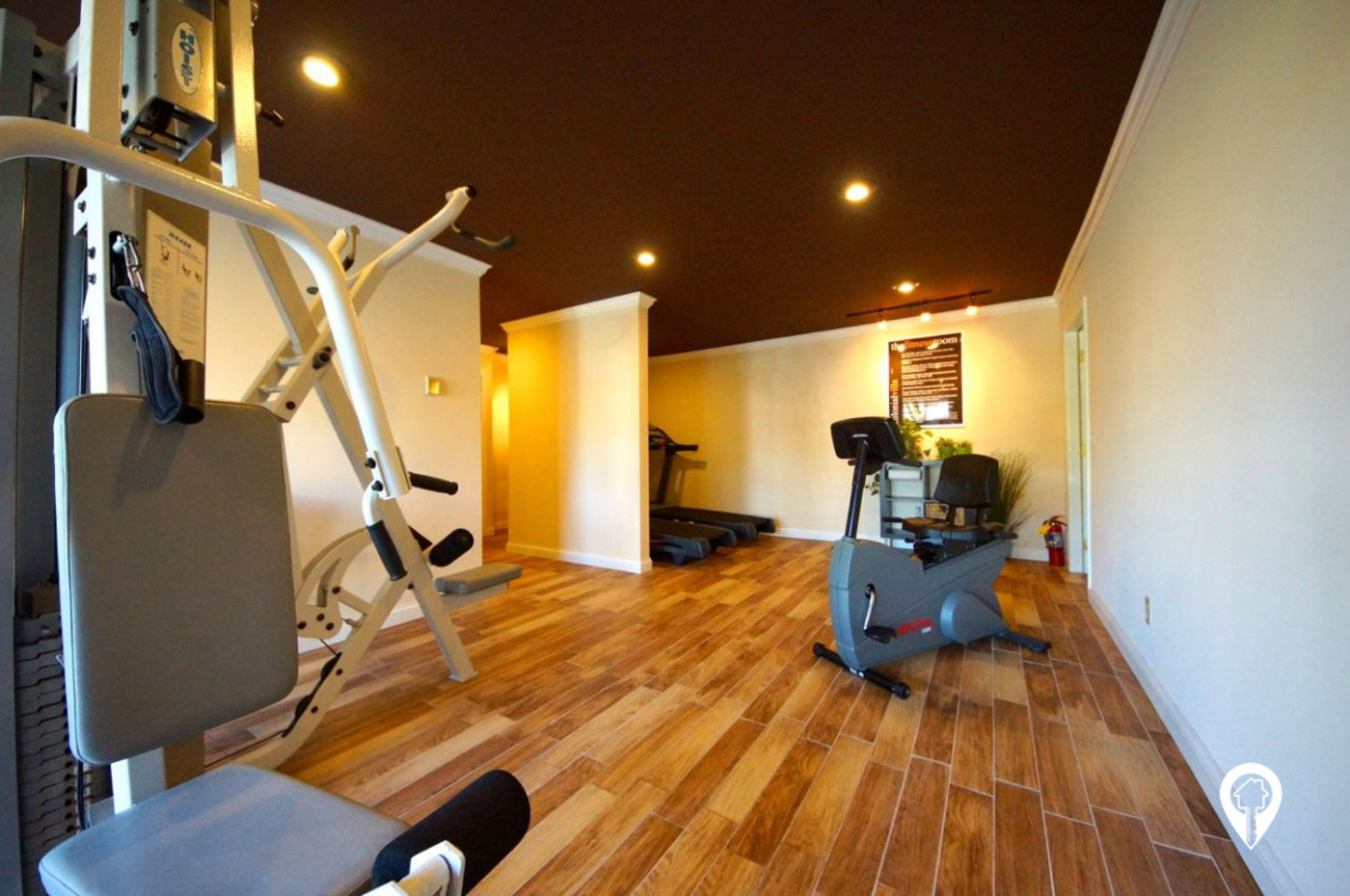 Colonial-Villa-Apartments-On-site-24-Hr-Fitness-Center