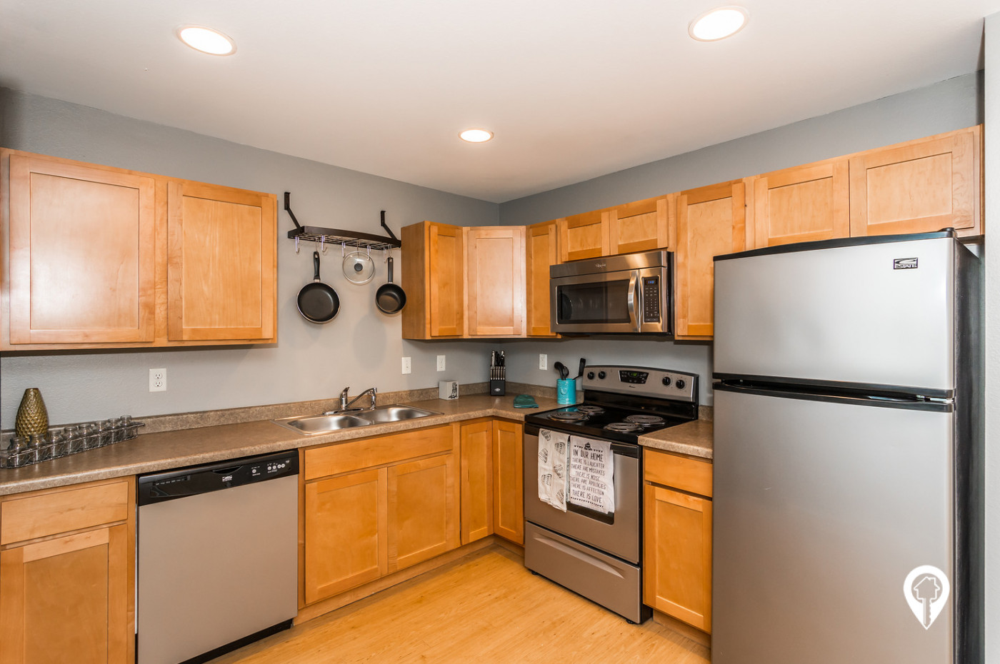 Ashland-Apartment-Homes-Stylish-Kitchens-With-Stainless-Steel-Appliances-Tons-Cabinet-Space