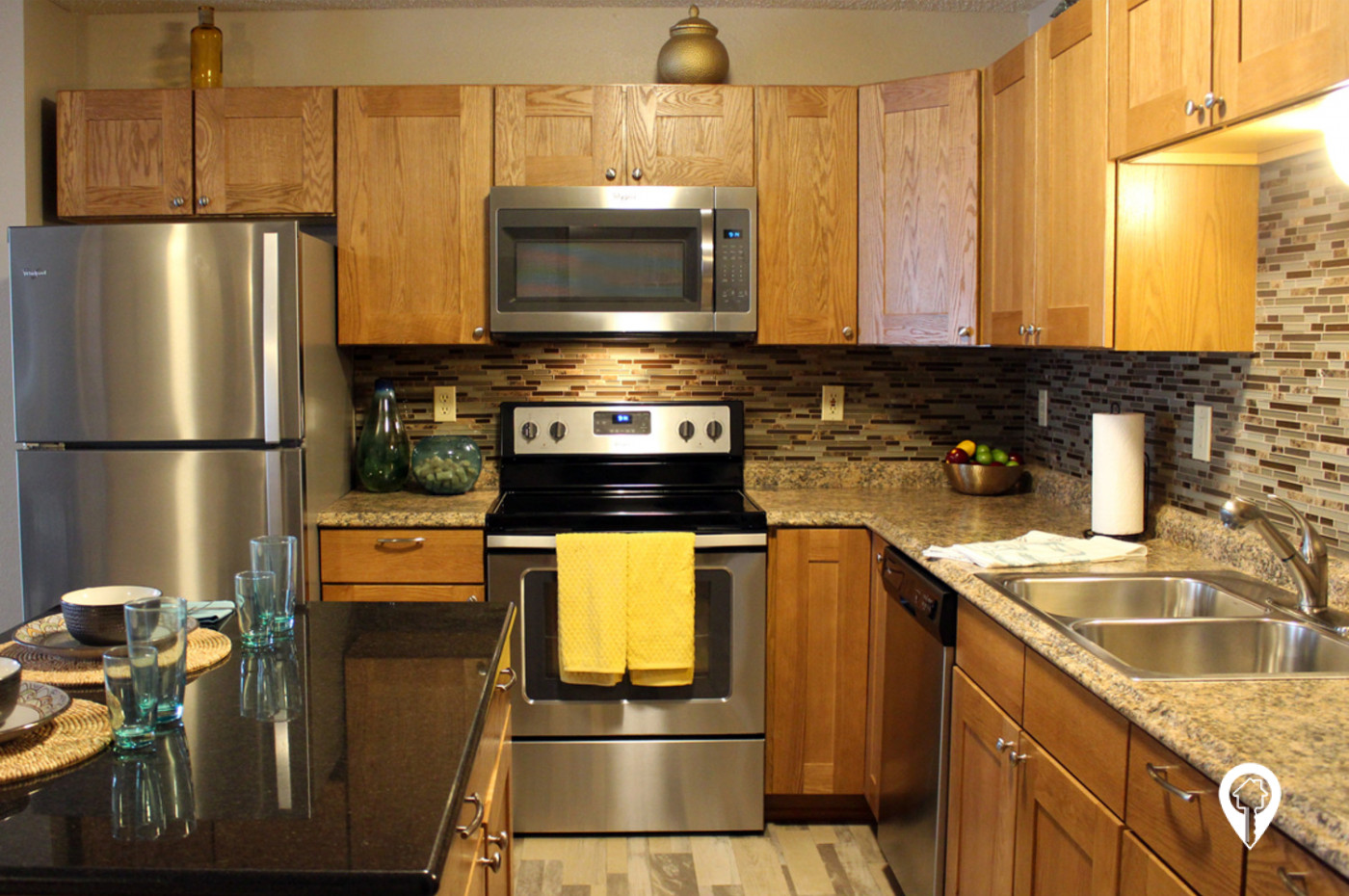 South-Pointe-Apartment-Homes-Beautifully-Remodeled-Kitchens