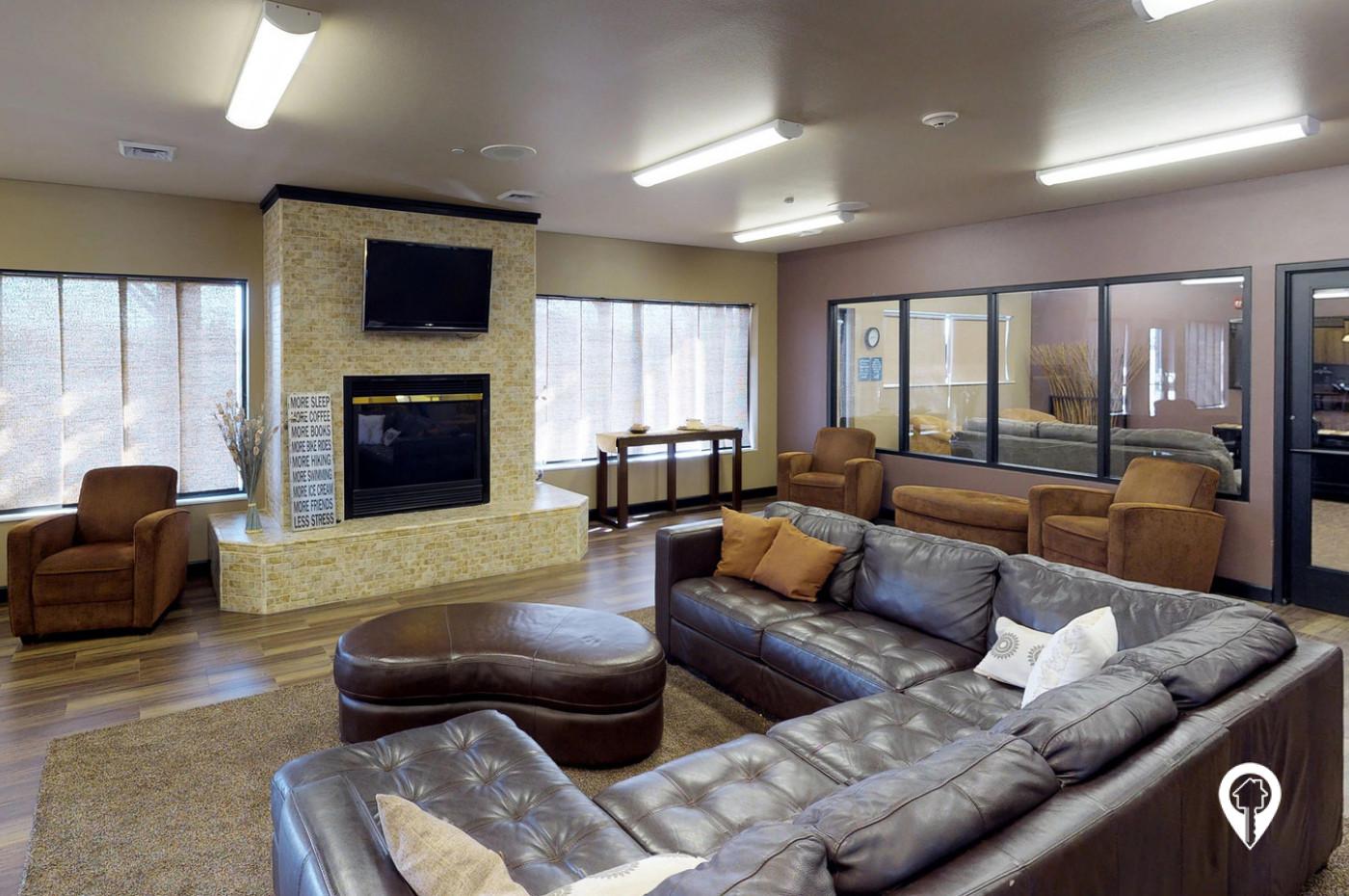 Plaza-Apartments-A-Stylish-Clubroom