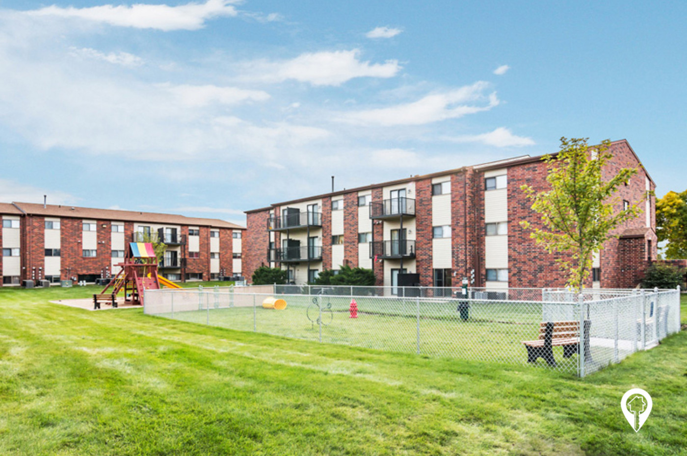 Oakwood-Estates-Apartment-Homes-Have-Some-Fun-at-Community-Playground