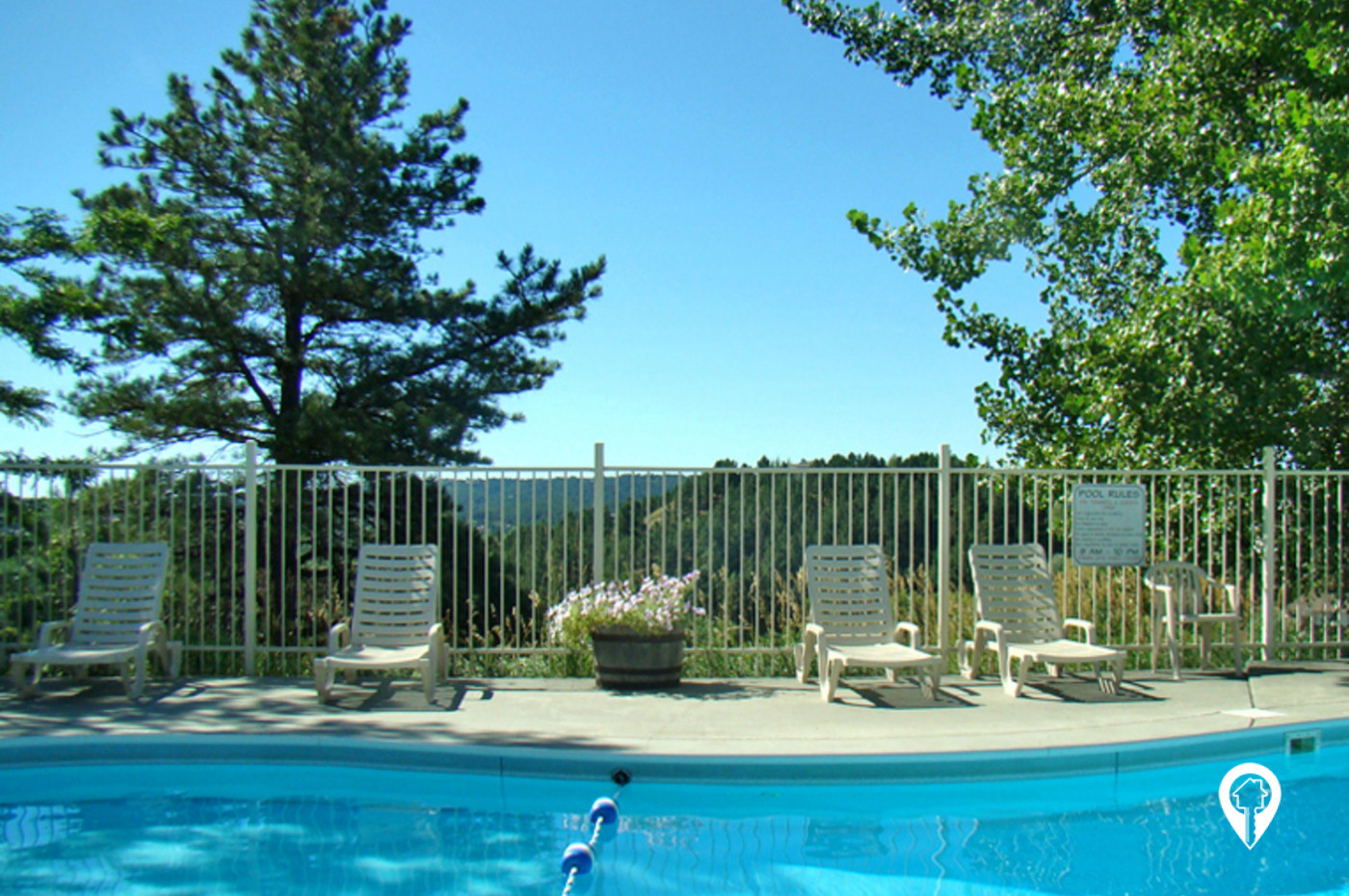 Pointe-West-Apartments-Relax-by-Pool-Take-View
