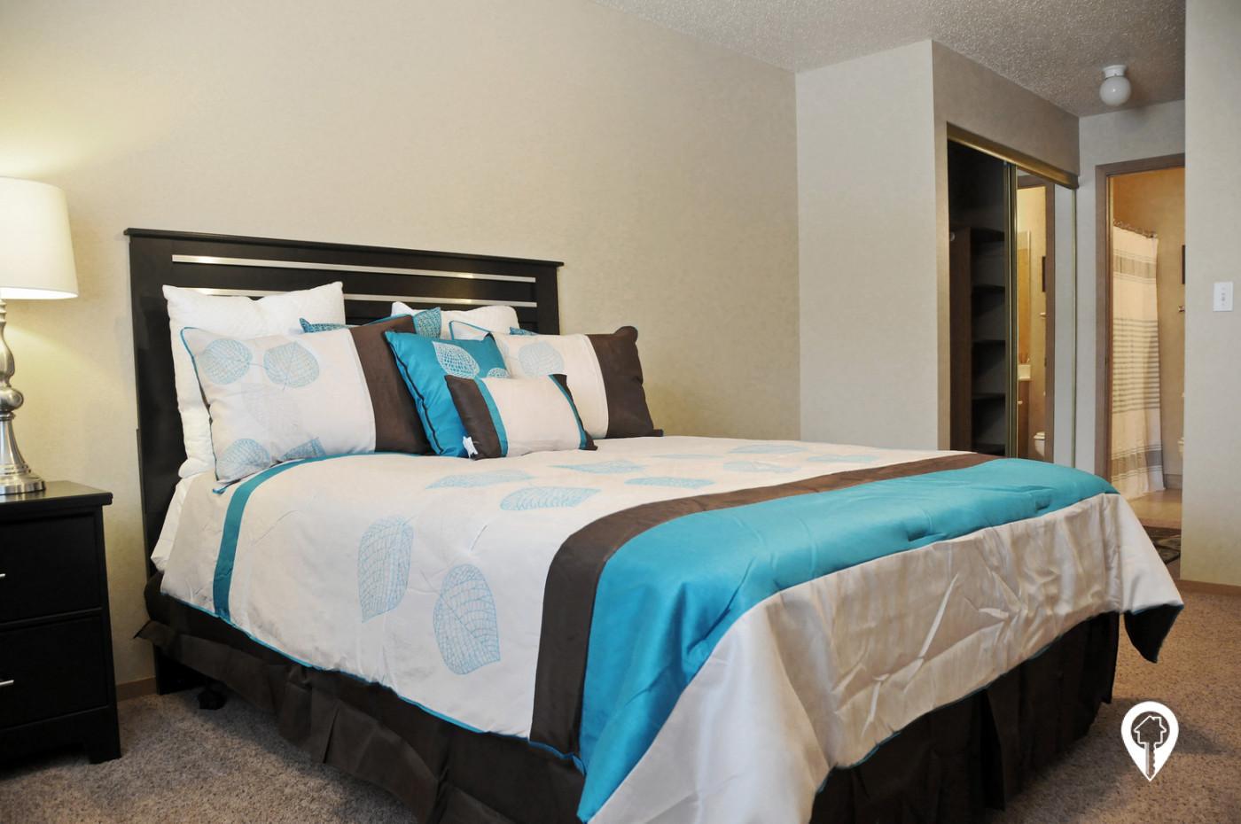 Alps-Park-Apartments-Stylish-Master-Suite