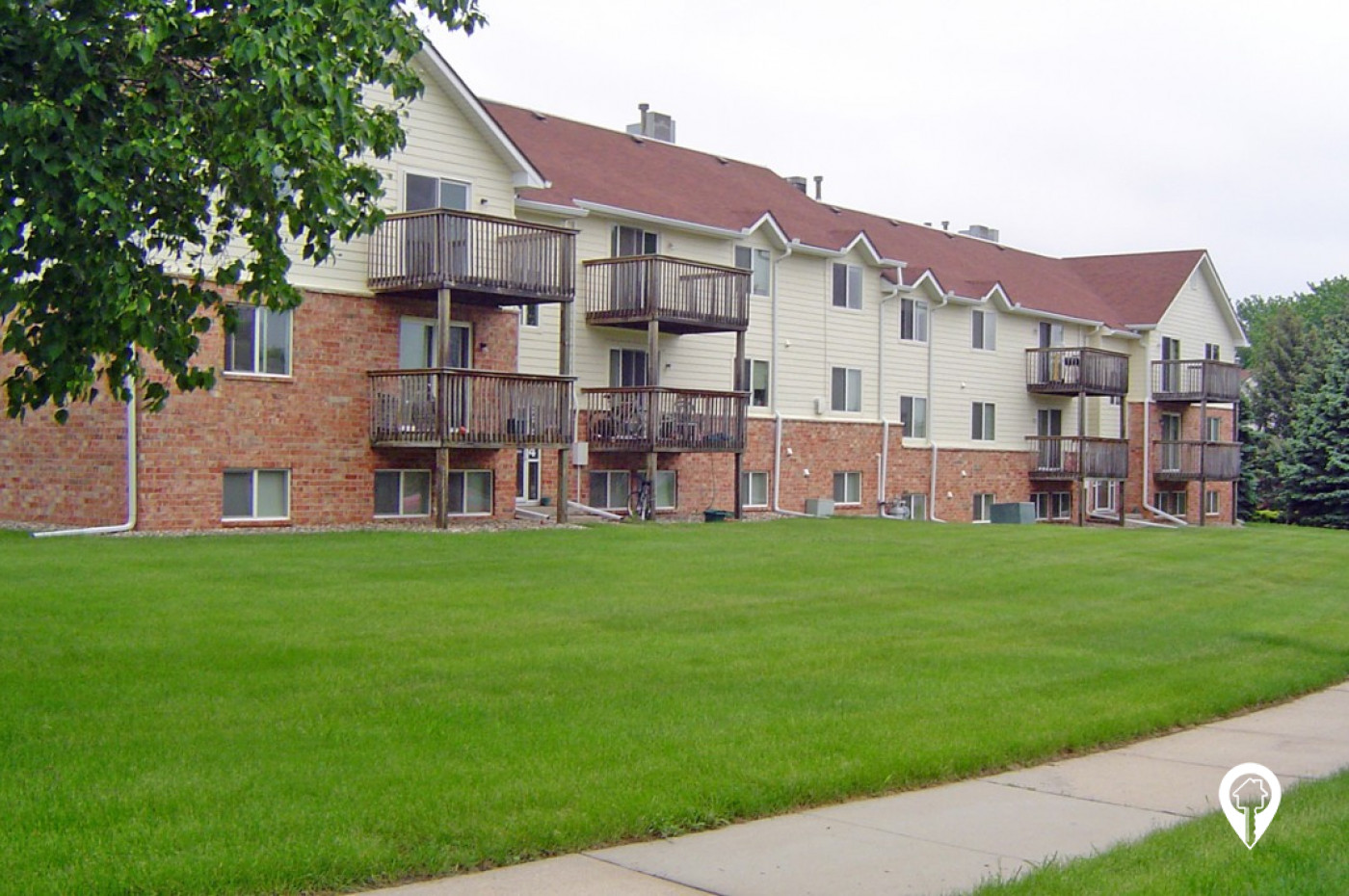 Windsor Heights Apartments and Townhomes