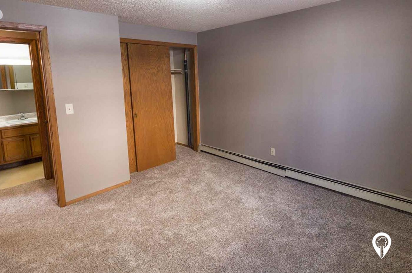 633 S Main Apartments